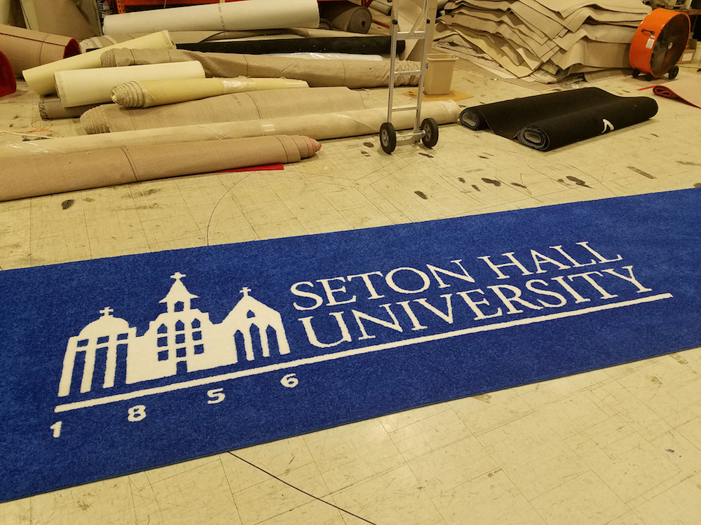 logo aisle runner for a college